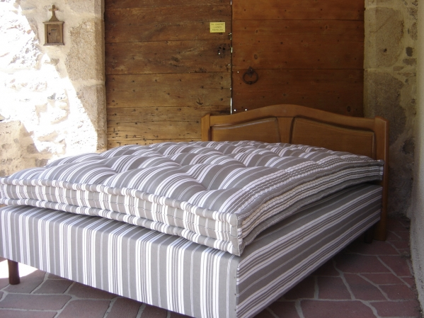 matelas en laine pourquoi le choisir. Black Bedroom Furniture Sets. Home Design Ideas
